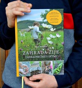 Zahrada žije: Zahradničíme s dětmi  | kniha | permaseminka.cz